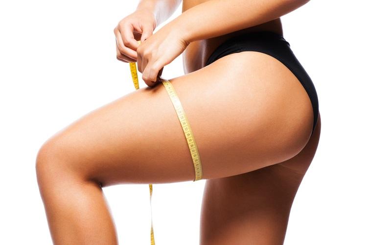 Cuisses fines et sans cellulite